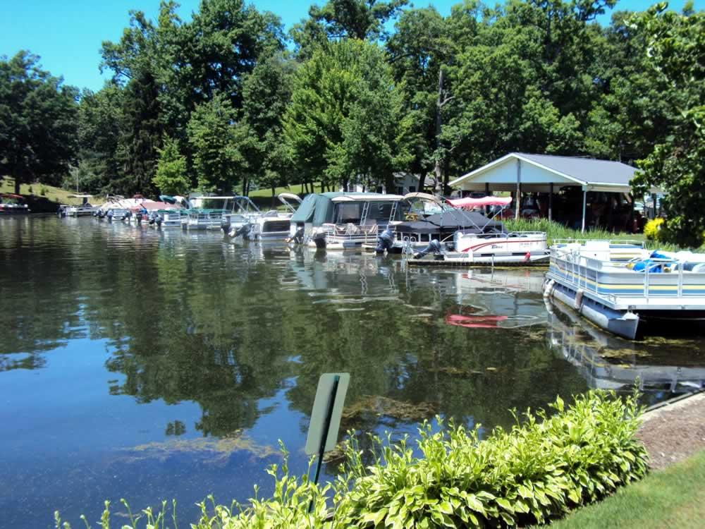 Dustys-Landing-Portage-Lakes-44319-2
